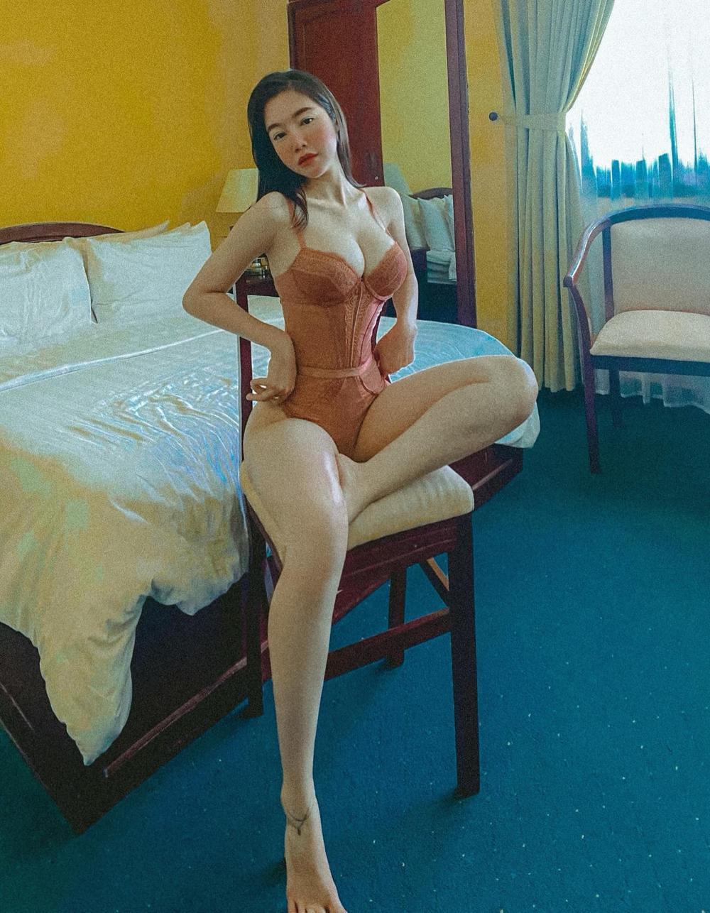 Elly Trần tiết lộ số đo vòng 1 khiêm tốn, phủ nhận danh xưng 'hot girl ngực khủng' lâu nay Ảnh 4