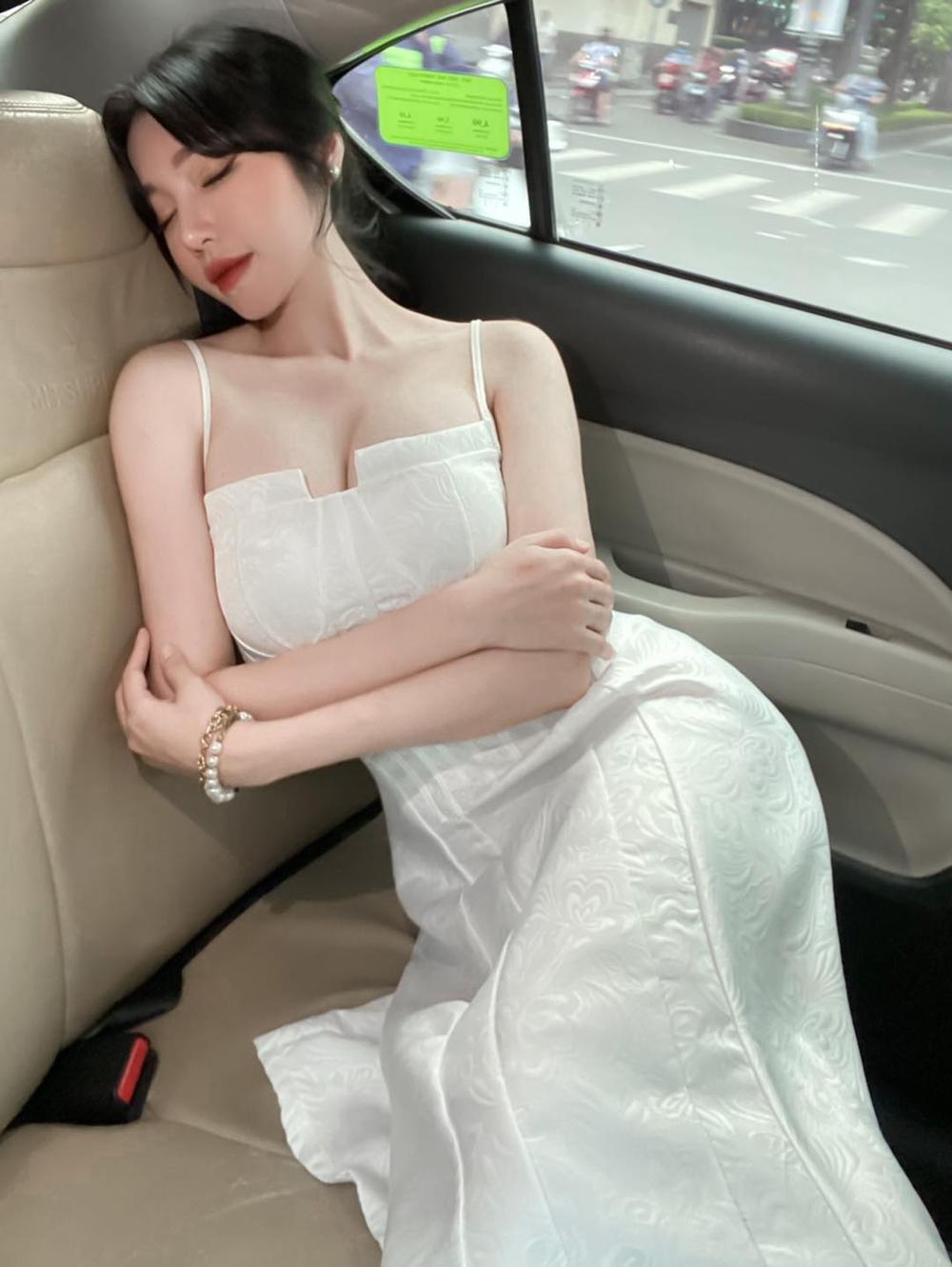 Elly Trần tiết lộ số đo vòng 1 khiêm tốn, phủ nhận danh xưng 'hot girl ngực khủng' lâu nay Ảnh 6