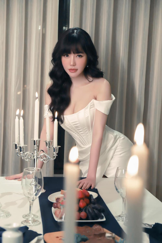 Elly Trần tiết lộ số đo vòng 1 khiêm tốn, phủ nhận danh xưng 'hot girl ngực khủng' lâu nay Ảnh 2