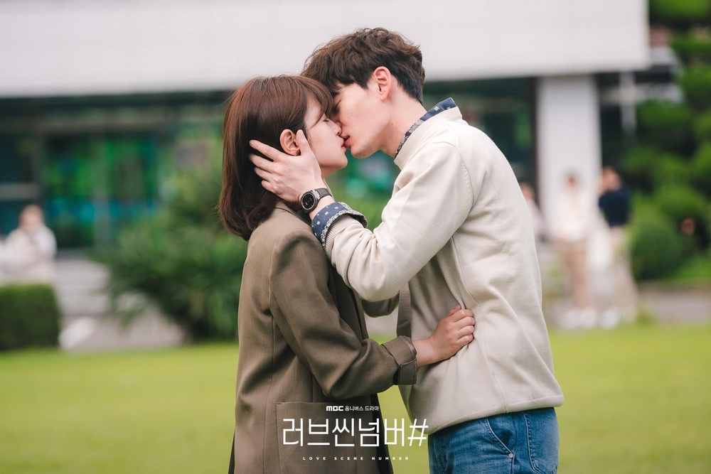 Ryu Hwa Young - Kim Bo Ra dùng chiêu trò 'gạ tình' đàn ông, có nên xem 'Sắc thái tình yêu'? Ảnh 10