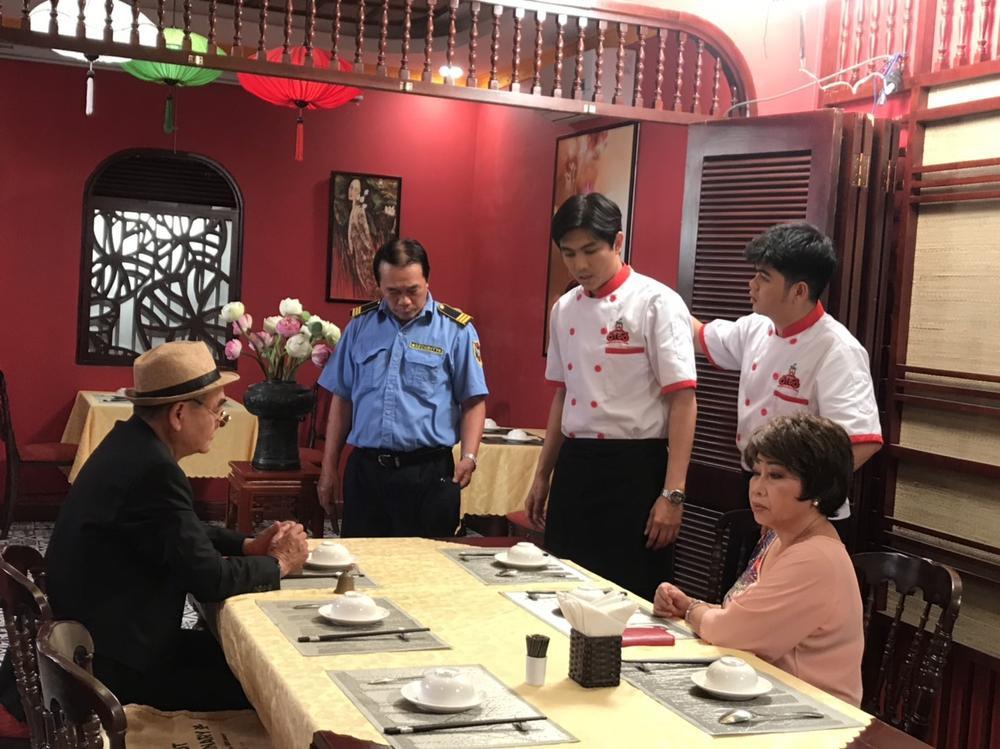 Tim cùng 'bà nội' Phi Phụng tái xuất với sitcom 'Ớt Đỏ': Hứa hẹn 'quẩy' tưng bừng mùa Tết Nguyên Đán 2021 Ảnh 2