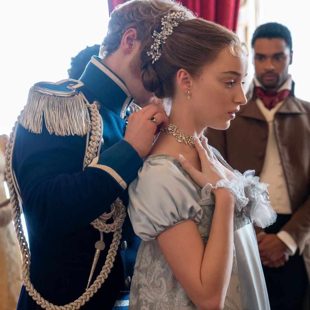 Giải mã ý nghĩa các món trang sức trong phim quý tộc 18+ Bridgerton Ảnh 3