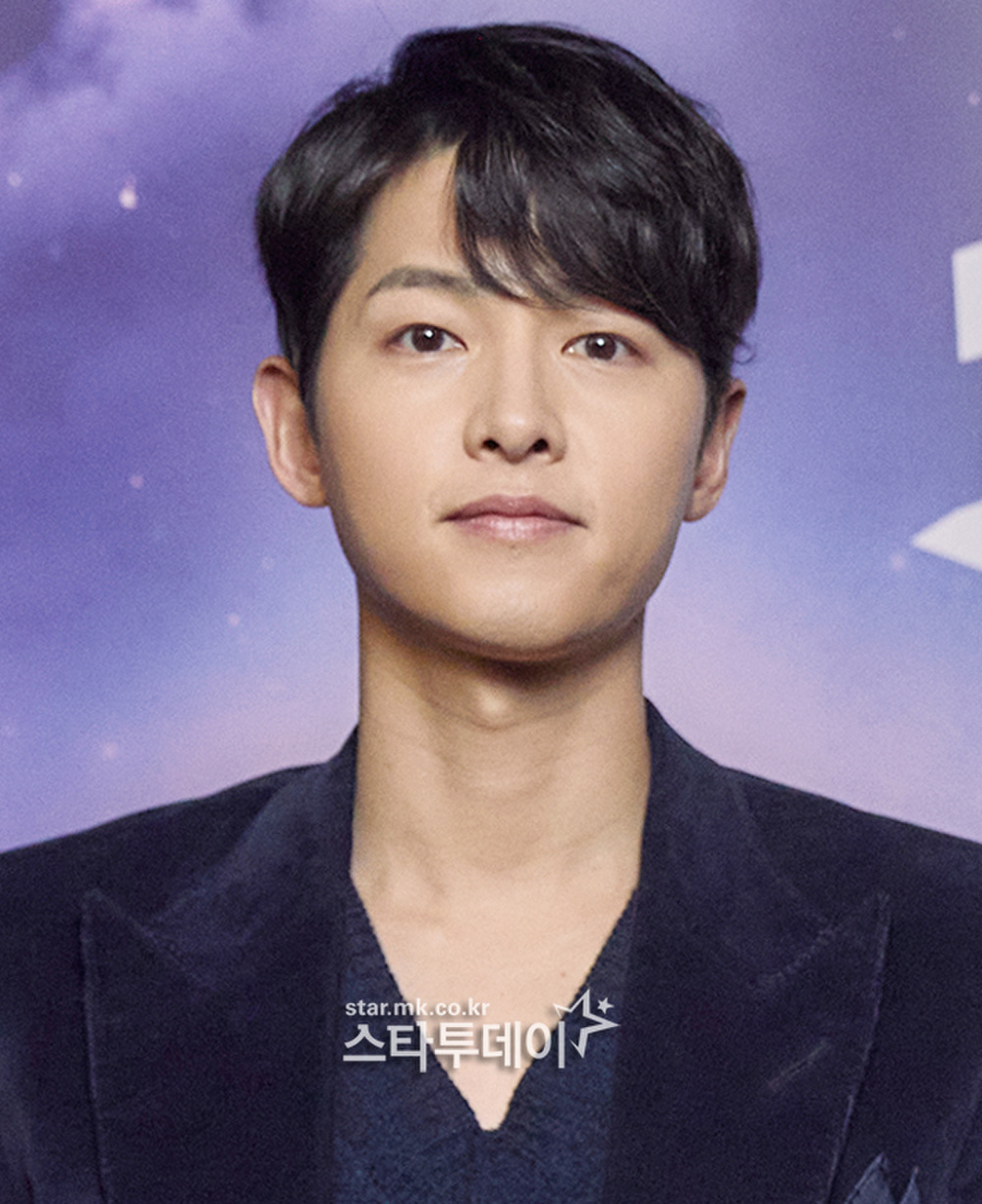 Song Joong Ki kém sắc bên 'tình mới' tại họp báo, Song Hye Kyo trẻ đẹp như gái đôi mươi hậu ly hôn! Ảnh 5
