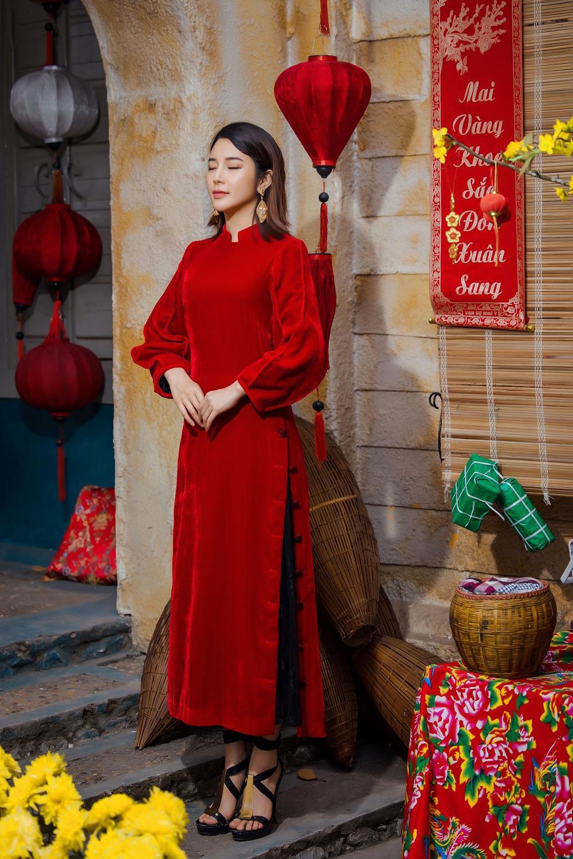 Du Xuân kiêu sa với áo dài nhung cách tân giao thoa vẻ đẹp Á - Âu Ảnh 7