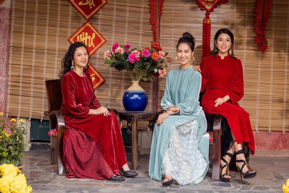 Du Xuân kiêu sa với áo dài nhung cách tân giao thoa vẻ đẹp Á - Âu Ảnh 12