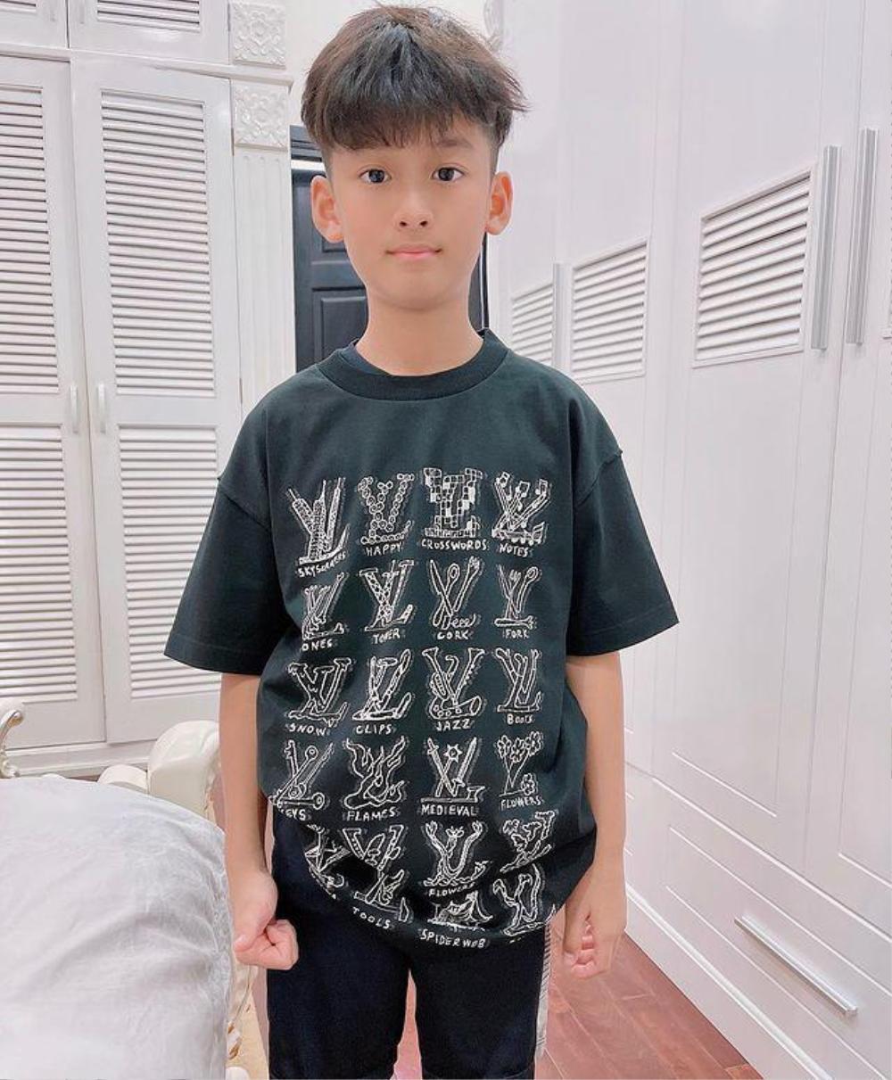 Mới 9 tuổi, con Trai Lệ Quyên ăn diện đúng chuẩn rich kid, tủ đồ ai cũng phát thèm Ảnh 6
