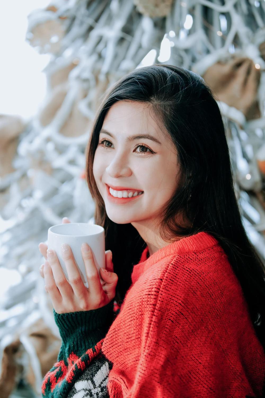 Lộ diện 'nàng thơ' của chồng cũ Trương Quỳnh Anh trong phim Tết 'Ớt đỏ' Ảnh 10
