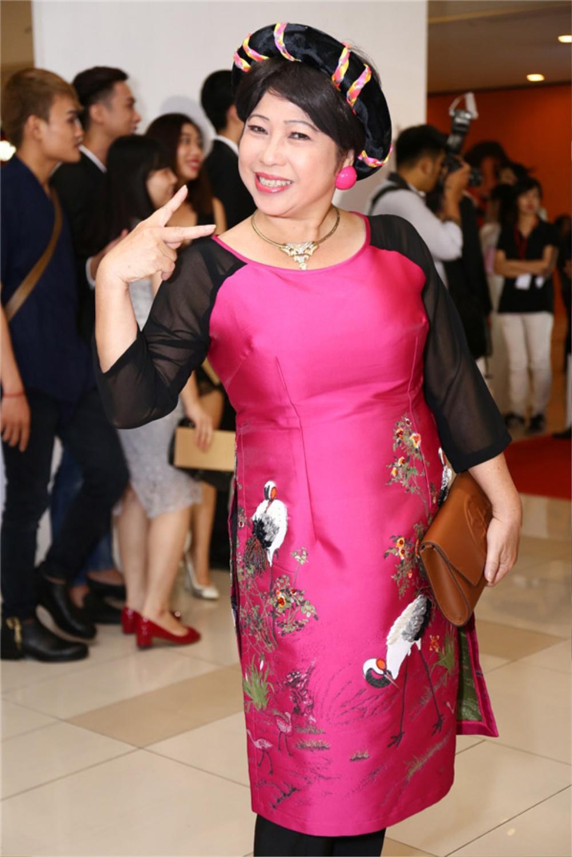 Lộ diện 'nàng thơ' của chồng cũ Trương Quỳnh Anh trong phim Tết 'Ớt đỏ' Ảnh 5