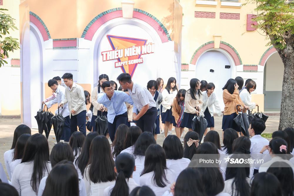Đam mê flashmob, nam sinh 'gọi vốn' thành công từ hội phụ huynh để có kinh phí duy trì nhóm nhảy Ảnh 4