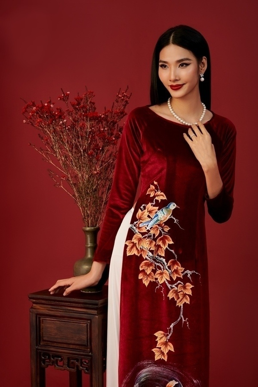 Đỗ Mỹ Linh, Tiểu Vy, Hà Tăng diện áo dài ngọt ngào, gợi ý xu hướng Tết 2021 Ảnh 8