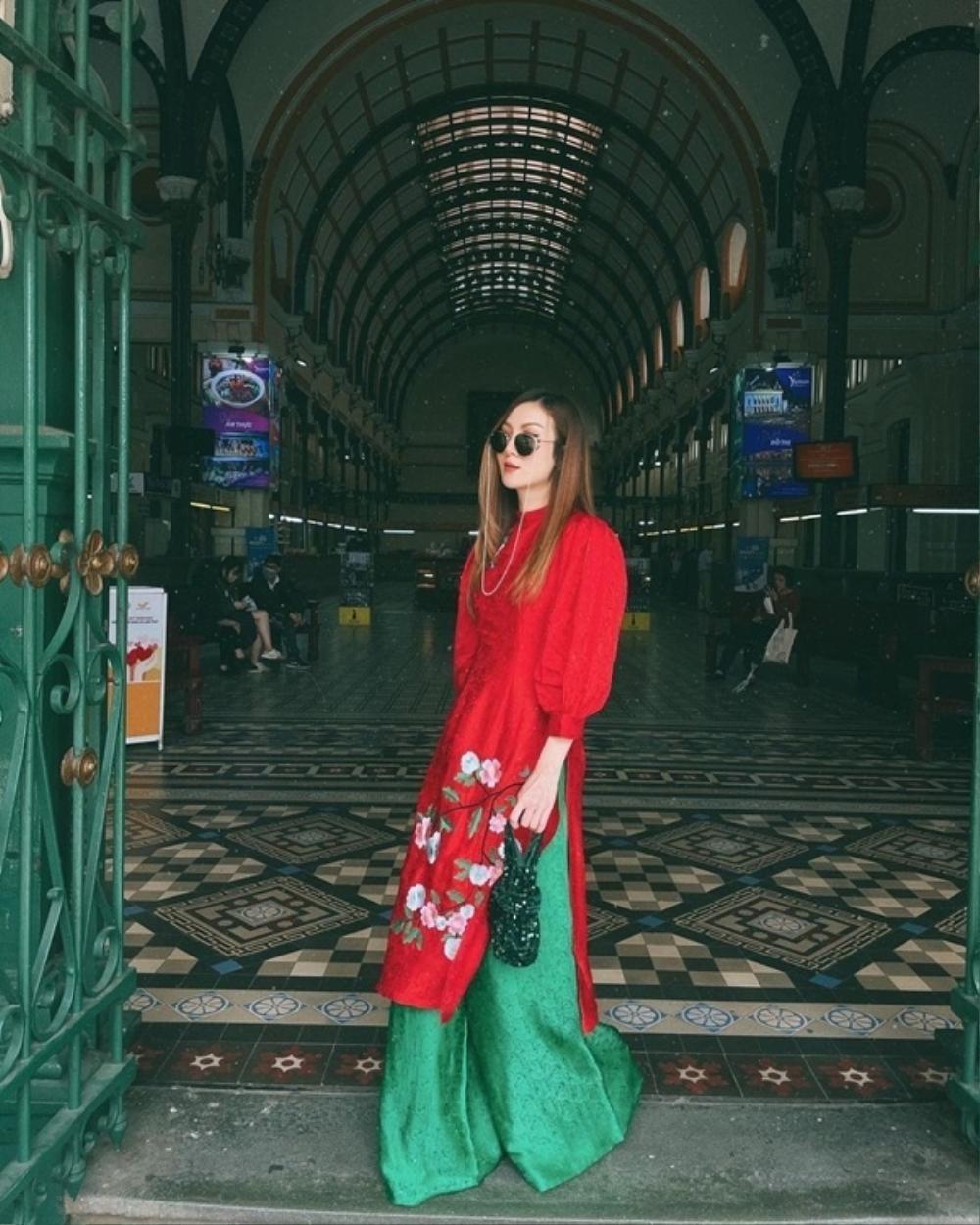 Đỗ Mỹ Linh, Tiểu Vy, Hà Tăng diện áo dài ngọt ngào, gợi ý xu hướng Tết 2021 Ảnh 9