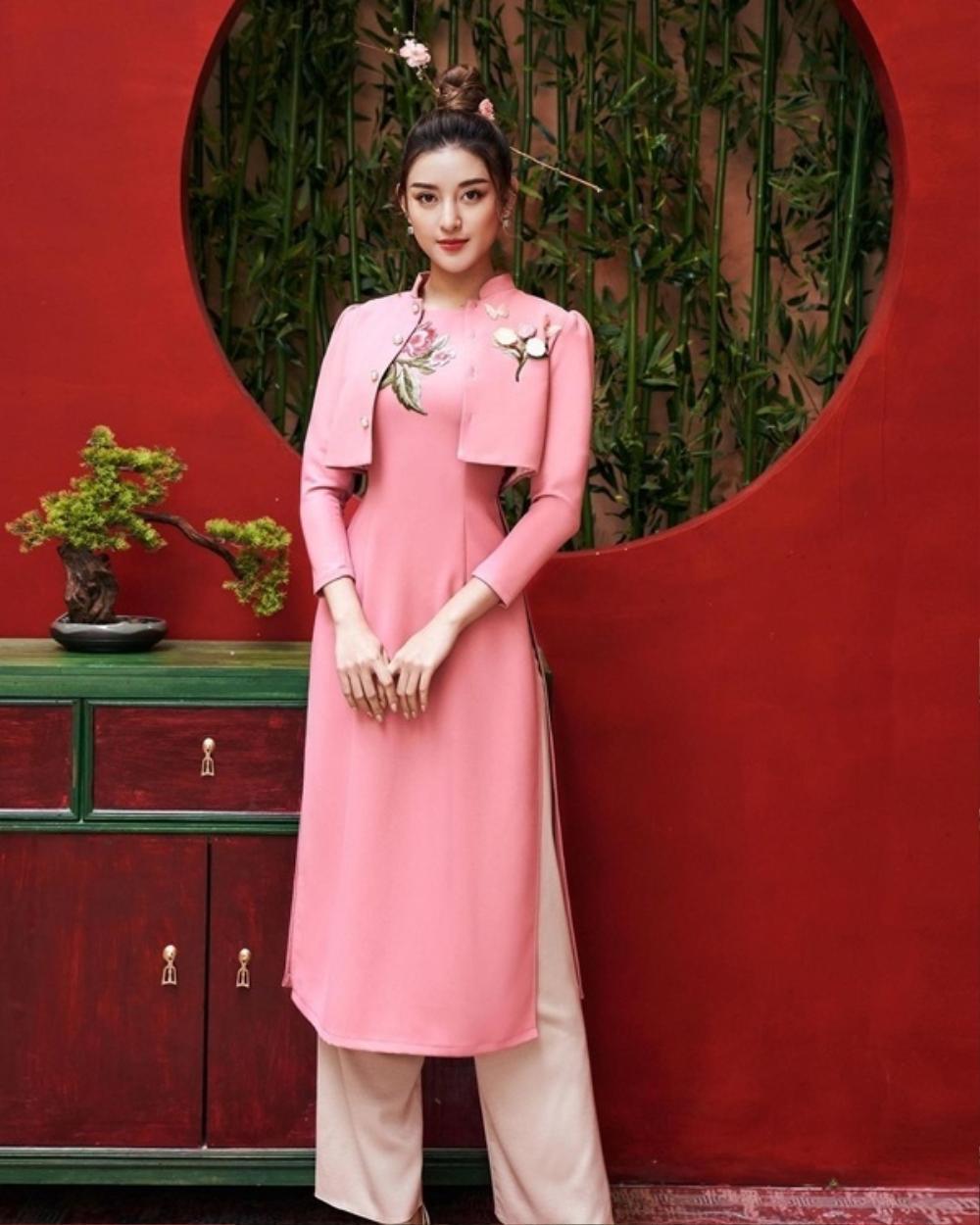 Đỗ Mỹ Linh, Tiểu Vy, Hà Tăng diện áo dài ngọt ngào, gợi ý xu hướng Tết 2021 Ảnh 5