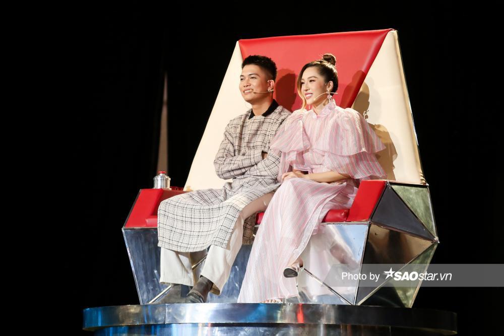Hồ Hoài Anh - BigDaddy mâu thuẫn ý kiến với Lưu Hương Giang - Emily vì Diệu Linh - Bảo Hưng diễn quá đỉnh Ảnh 5