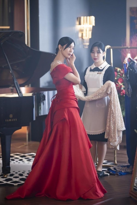 'Penthouse 2': Lộ tạo hình mới của Kim So Yeon, 'chốt đơn' dàn cameo đình đám gây choáng! Ảnh 1