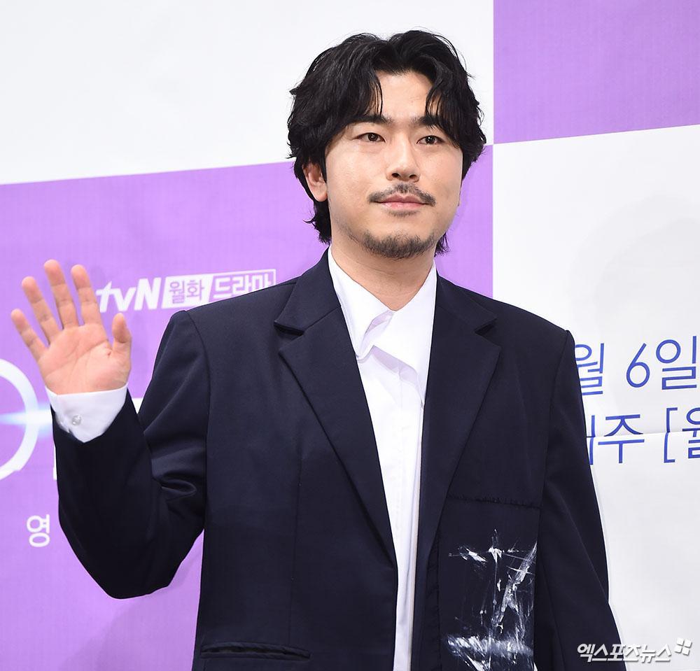 'Penthouse 2': Lộ tạo hình mới của Kim So Yeon, 'chốt đơn' dàn cameo đình đám gây choáng! Ảnh 6