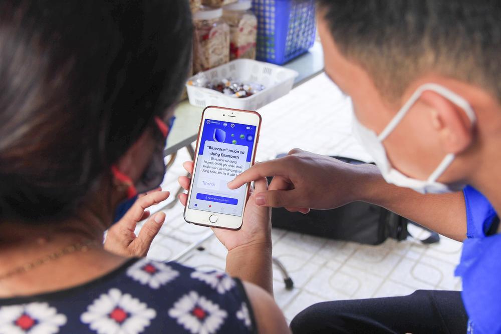 Ứng dụng Bluezone cán mốc 28 triệu lượt tải, người dân Việt Nam chung tay đẩy lùi COVID-19 Ảnh 3