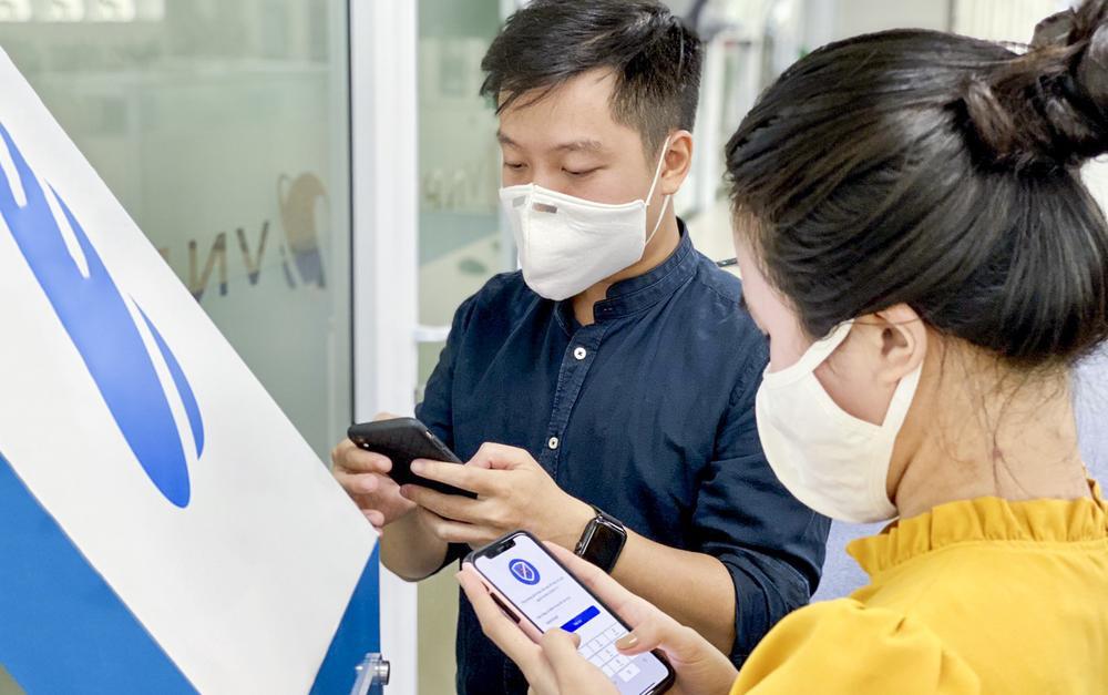 Ứng dụng Bluezone cán mốc 28 triệu lượt tải, người dân Việt Nam chung tay đẩy lùi COVID-19 Ảnh 2