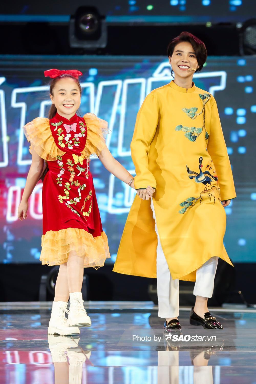 2 'Diva nhí' Ngọc Nhi - Khánh Linh đón Giao thừa ngập tràn cảm xúc với ca khúc mới 'Ai bận nhất ngày Tết' Ảnh 1