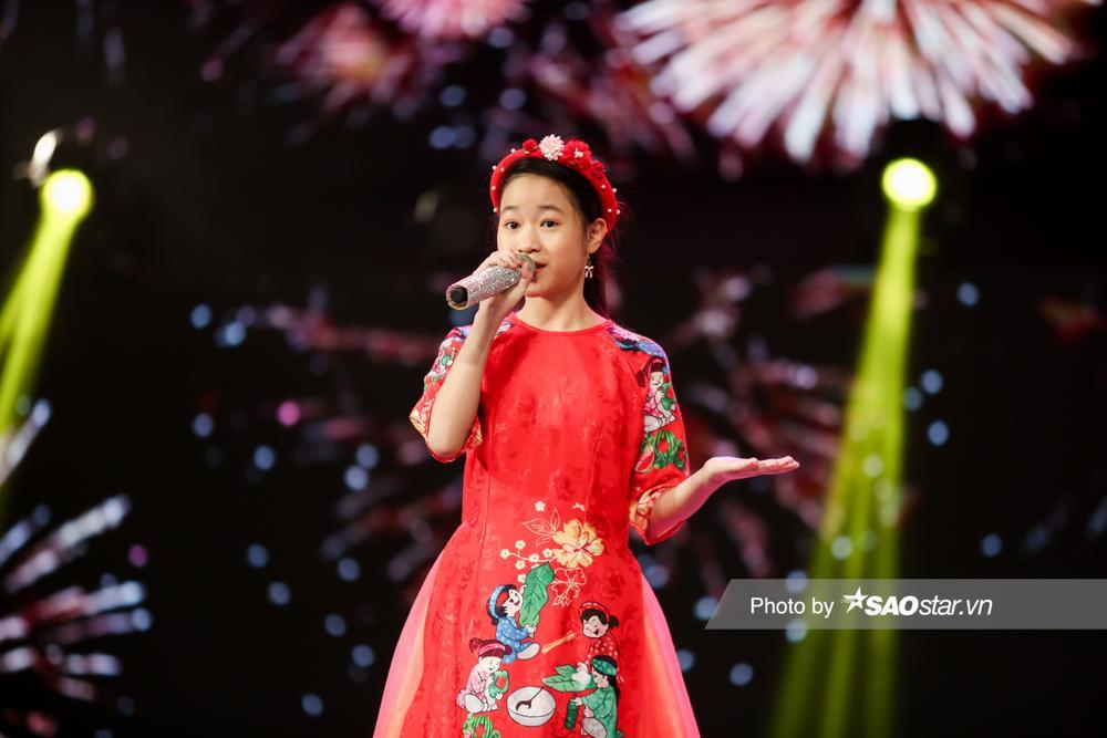 2 'Diva nhí' Ngọc Nhi - Khánh Linh đón Giao thừa ngập tràn cảm xúc với ca khúc mới 'Ai bận nhất ngày Tết' Ảnh 3
