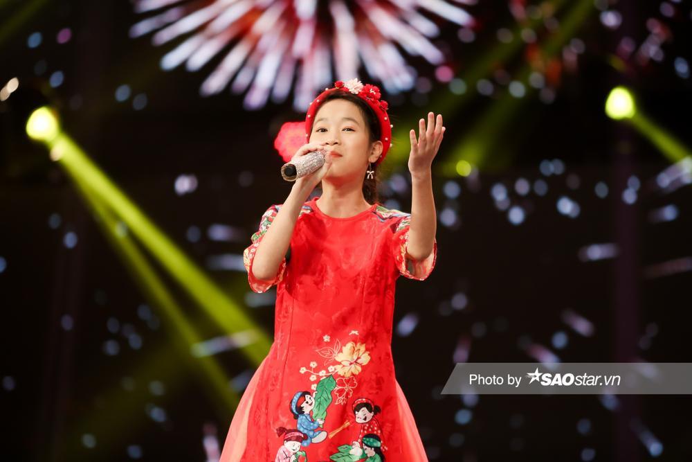 2 'Diva nhí' Ngọc Nhi - Khánh Linh đón Giao thừa ngập tràn cảm xúc với ca khúc mới 'Ai bận nhất ngày Tết' Ảnh 10