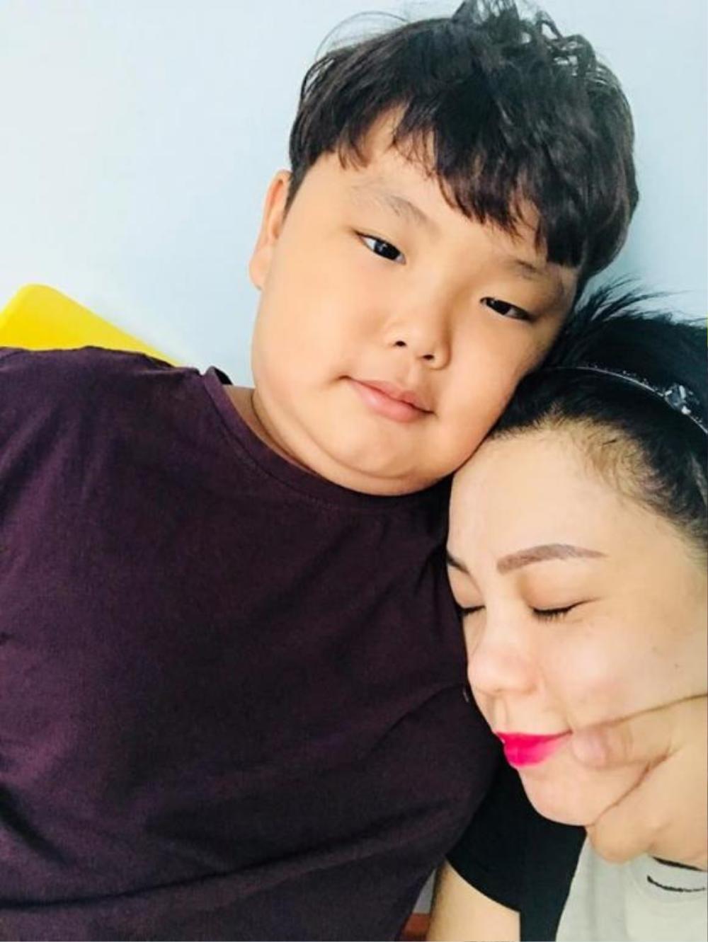 Con trai Xuân Bắc khiến cư dân mạng cười 'té ghế' khi tính sổ tiền công với mẹ Ảnh 6