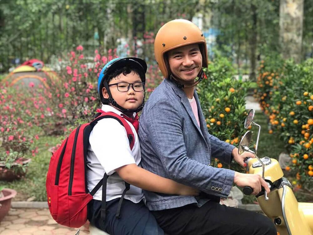 Con trai Xuân Bắc khiến cư dân mạng cười 'té ghế' khi tính sổ tiền công với mẹ Ảnh 7