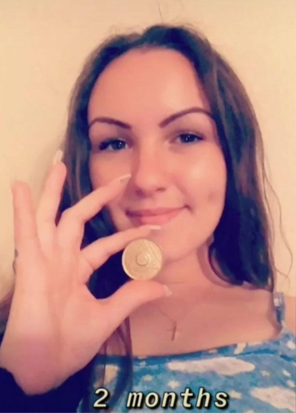 Cô gái 22 tuổi chia sẻ điều khủng khiếp sau 6 năm nghiện ma túy đá Ảnh 4