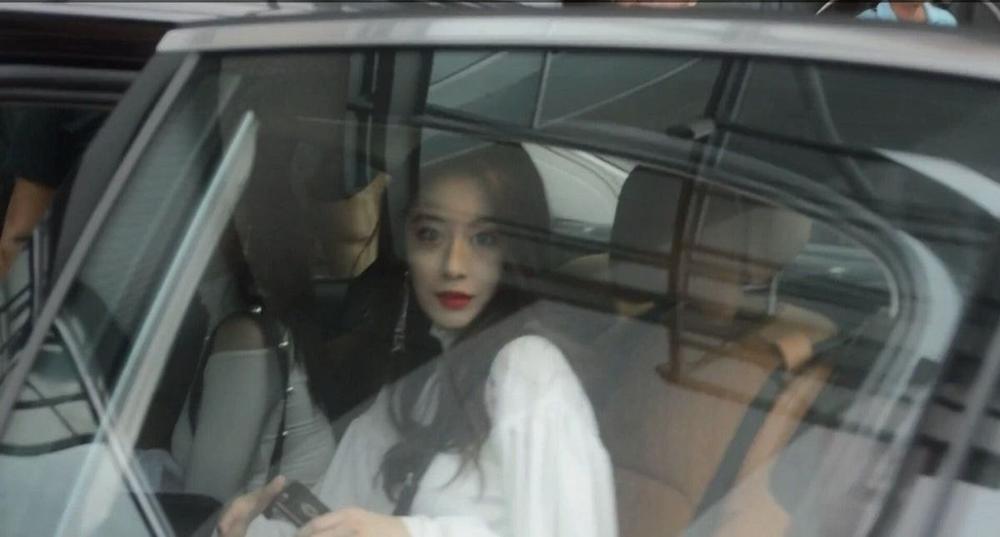 Yoona, Suzy, Jiyeon và Tzuyu: Ai mới thực sự là idol đẹp nhất Kpop? Ảnh 8