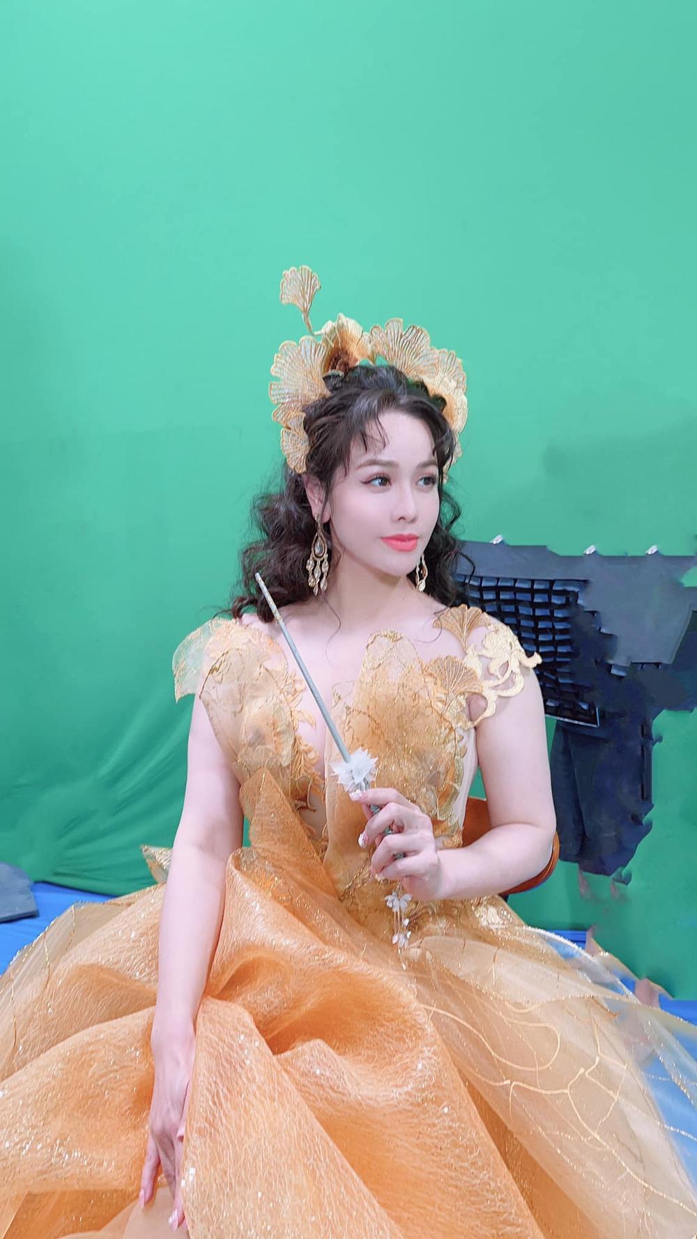 Nhật Kim Anh hóa thành nữ thần mùa Xuân xiêm y lộng lẫy trong MV mới Ảnh 2