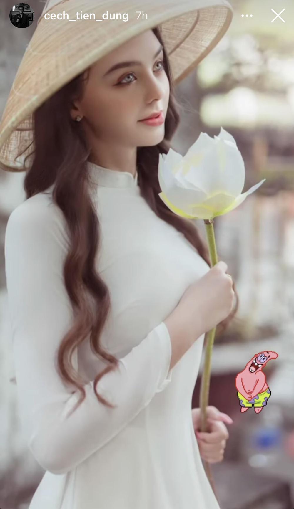 Bạn gái thủ môn Bùi Tiến Dũng dịu dàng trong trang phục truyền thống Việt Nam Ảnh 1