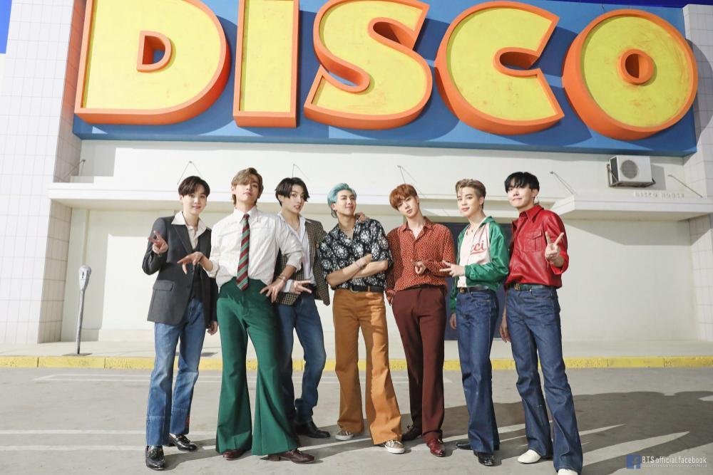 'Dynamite' đạt chứng nhận Gold tại Anh, BTS lại bỏ túi thêm kỉ lục 'vô tiền khoáng hậu' Ảnh 3