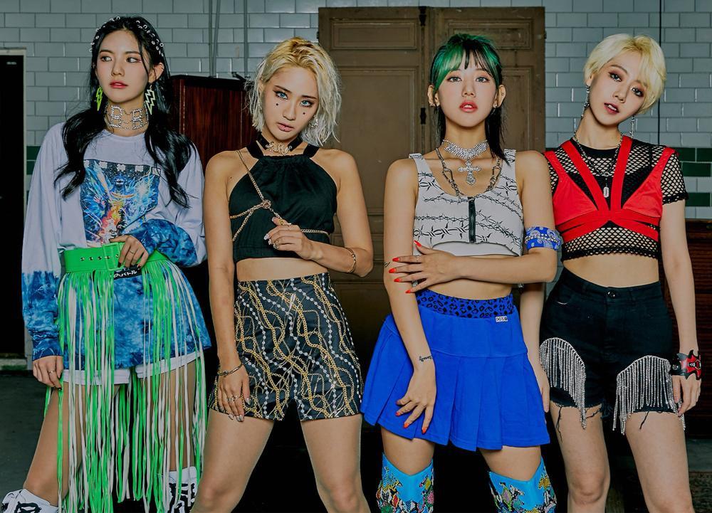 Loạt nhóm nhạc từng đổi tên fandom vì tranh cãi, đàn em BTS cũng góp mặt Ảnh 5