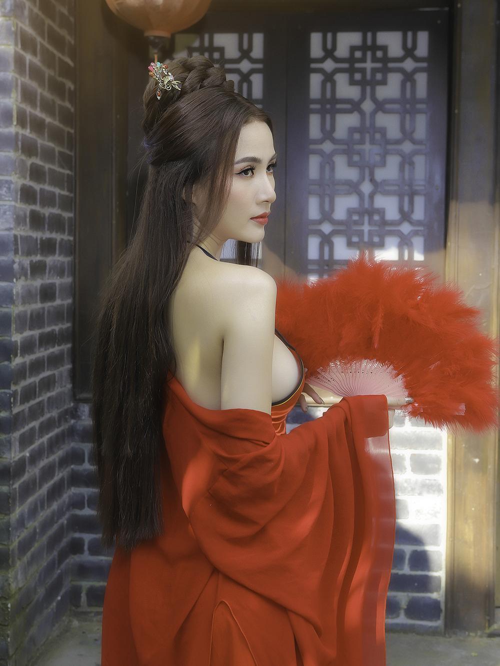 Phan Thị Mơ hóa tiên nữ, hững hờ thềm ngực quyến rũ mê hồn Ảnh 8
