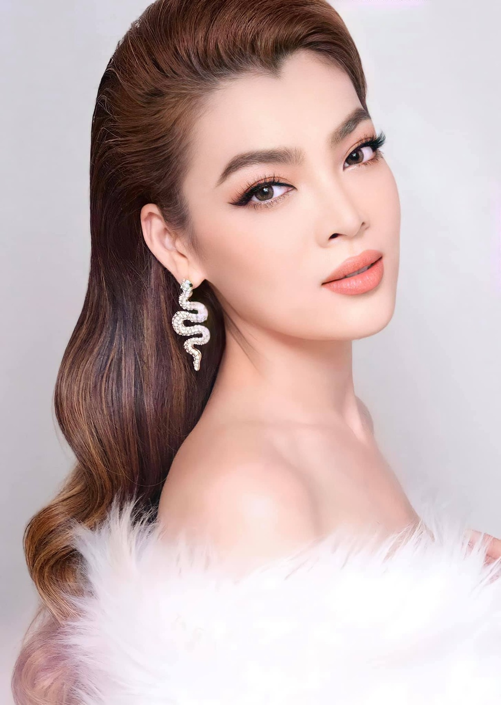 12 thí sinh đầu tiên dự thi Miss International Queen 2021: Trân Đài 'kèn cựa' mỹ nhân Thái Lan Ảnh 46