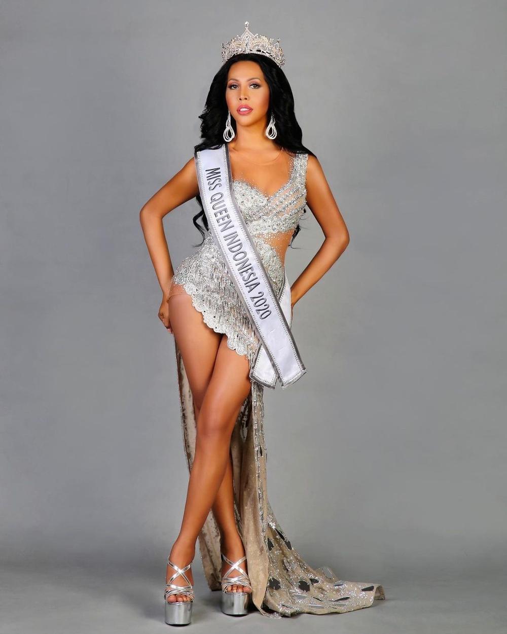12 thí sinh đầu tiên dự thi Miss International Queen 2021: Trân Đài 'kèn cựa' mỹ nhân Thái Lan Ảnh 31