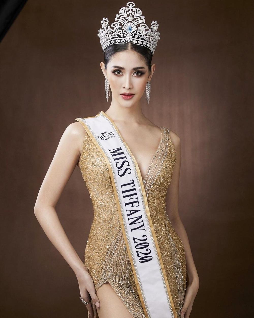 12 thí sinh đầu tiên dự thi Miss International Queen 2021: Trân Đài 'kèn cựa' mỹ nhân Thái Lan Ảnh 11