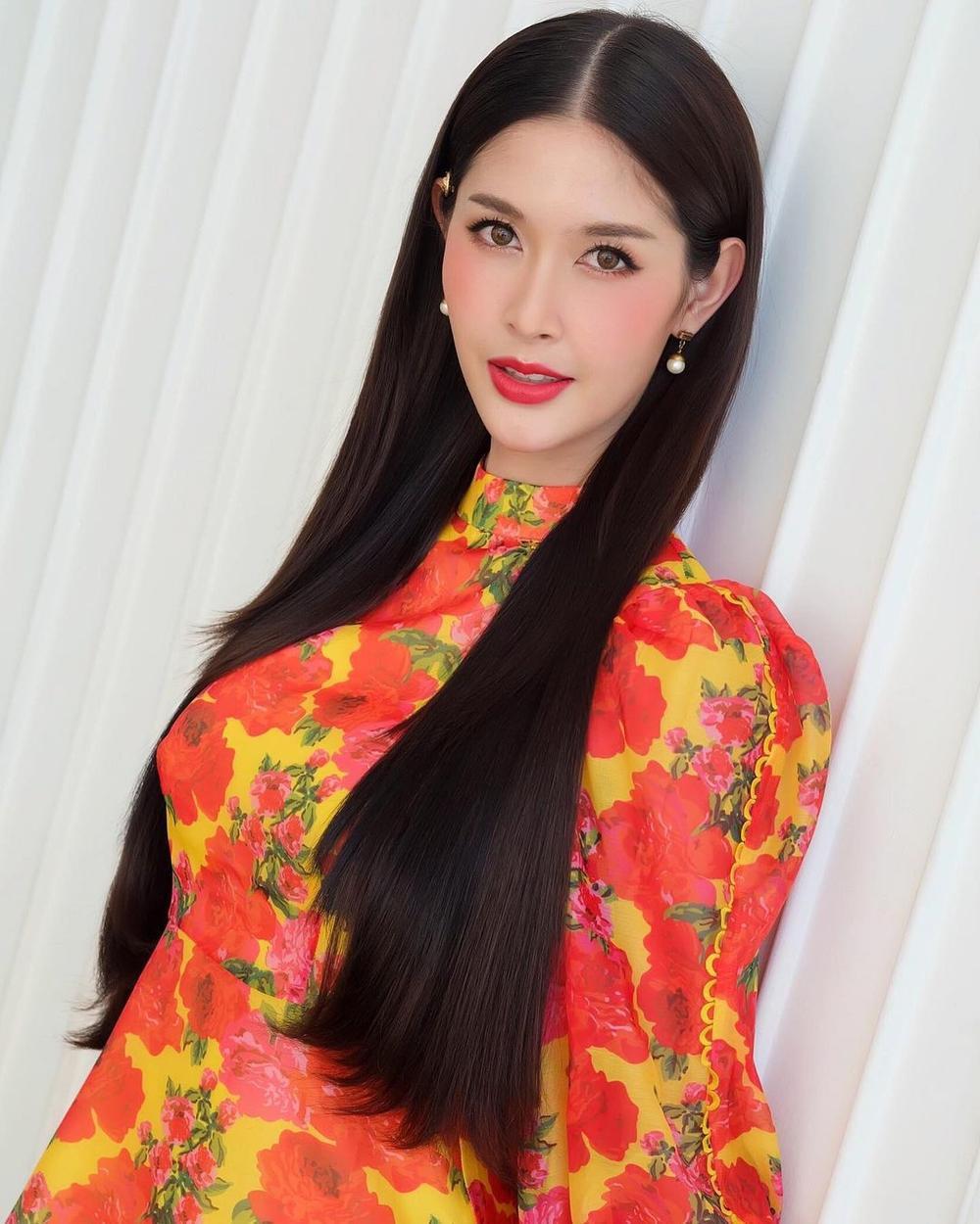 12 thí sinh đầu tiên dự thi Miss International Queen 2021: Trân Đài 'kèn cựa' mỹ nhân Thái Lan Ảnh 14
