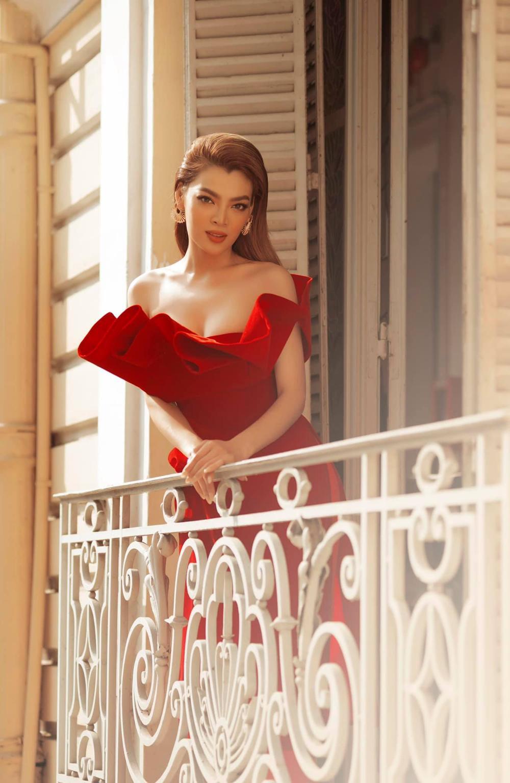 12 thí sinh đầu tiên dự thi Miss International Queen 2021: Trân Đài 'kèn cựa' mỹ nhân Thái Lan Ảnh 6