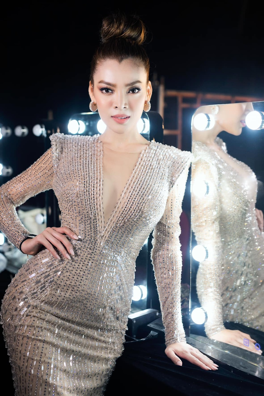 12 thí sinh đầu tiên dự thi Miss International Queen 2021: Trân Đài 'kèn cựa' mỹ nhân Thái Lan Ảnh 49