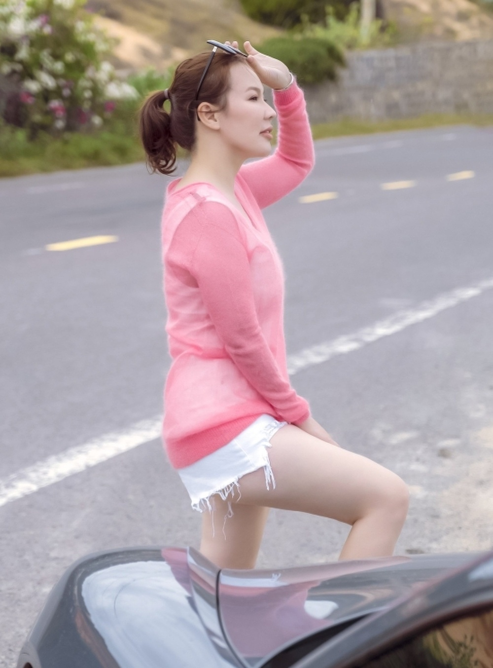 Vợ đại gia 7X của Quý Bình khoe 'điểm vàng' cơ thể rất khéo! Ảnh 4