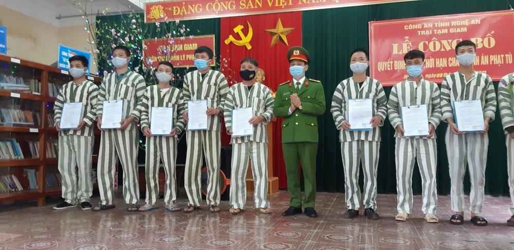 17 phạm nhân tại Nghệ An được giảm hết án, đón Tết cùng gia đình Ảnh 1