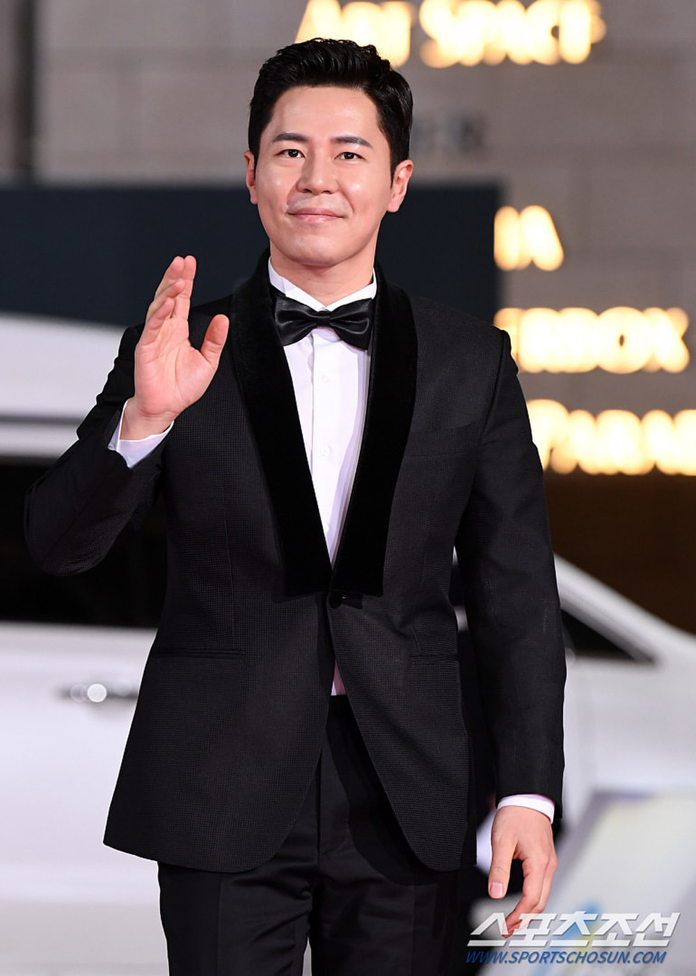 Thảm đỏ 'Rồng xanh 2020': Shin Hye Sun 'cân sắc' Shin Min Ah, Jung Woo Sung - Lee Byung Hun điển trai! Ảnh 38