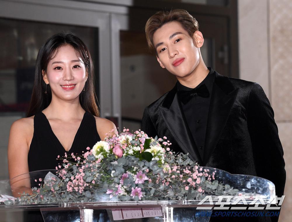 Thảm đỏ 'Rồng xanh 2020': Shin Hye Sun 'cân sắc' Shin Min Ah, Jung Woo Sung - Lee Byung Hun điển trai! Ảnh 37
