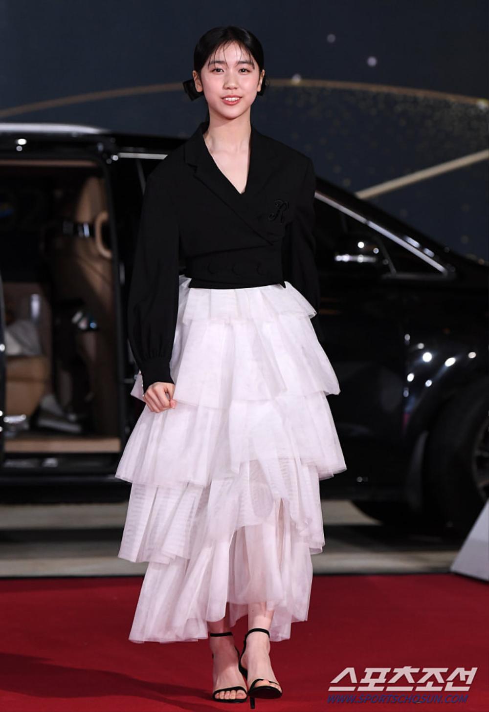 Thảm đỏ 'Rồng xanh 2020': Shin Hye Sun 'cân sắc' Shin Min Ah, Jung Woo Sung - Lee Byung Hun điển trai! Ảnh 6