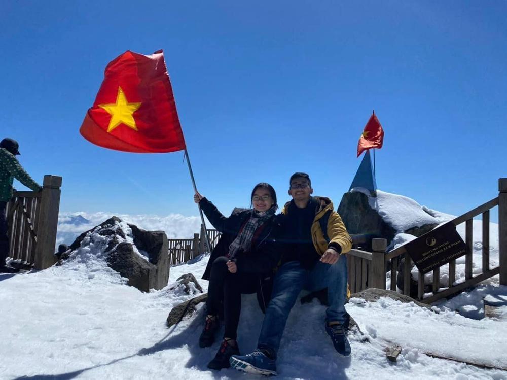 Chùm ảnh: Du khách đổ xô đi săn tuyết, đỉnh Fansipan đẹp tựa trời Tây Ảnh 6