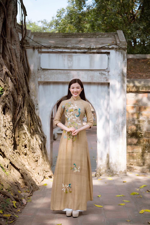 Trước thềm Tết Tân Sửu 2021, diễn viên Lương Thanh tung bộ hình áo dài đậm chất xuân Ảnh 6