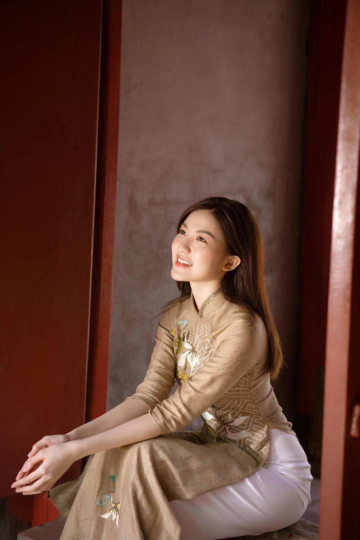 Trước thềm Tết Tân Sửu 2021, diễn viên Lương Thanh tung bộ hình áo dài đậm chất xuân Ảnh 2