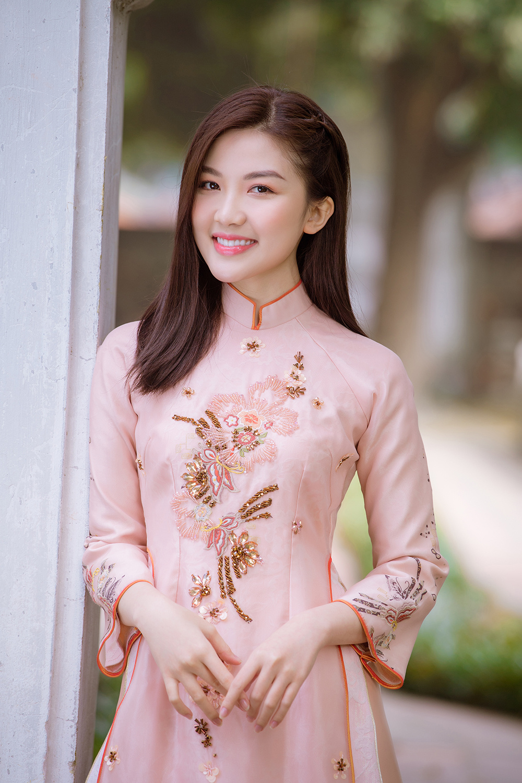 Trước thềm Tết Tân Sửu 2021, diễn viên Lương Thanh tung bộ hình áo dài đậm chất xuân Ảnh 9