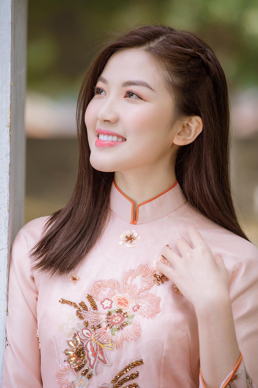 Trước thềm Tết Tân Sửu 2021, diễn viên Lương Thanh tung bộ hình áo dài đậm chất xuân Ảnh 16