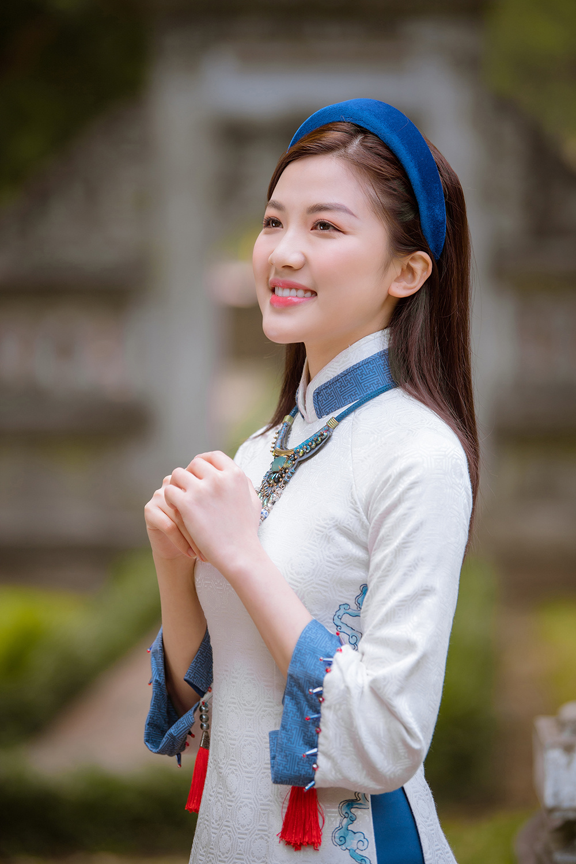 Trước thềm Tết Tân Sửu 2021, diễn viên Lương Thanh tung bộ hình áo dài đậm chất xuân Ảnh 11
